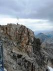 Das Gipfelkreuz von Deutschlands höchstem Berg