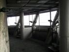 Aussichtsplattform: Die zugige und etwas heruntergekommene Aussichtsplattform unterhalb des Selbstbedienungsrestaurant.